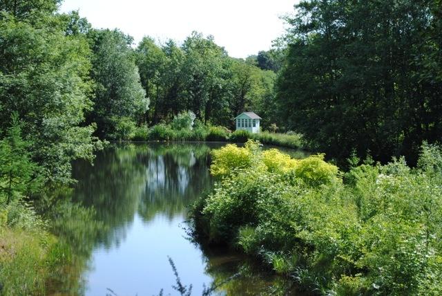 lakeside_retreat_8