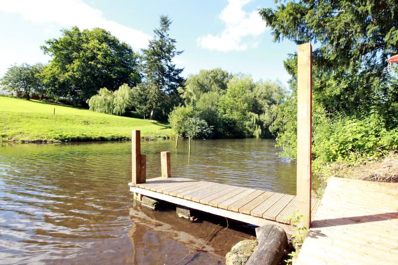 raithby-hall-lake